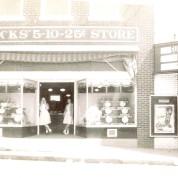 Macks' on White Street