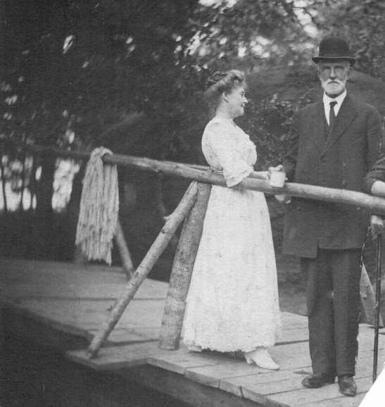 William Bailey Royall and Sarah Hall Royall at the turn of the 20th century.