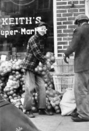 Keith's Grocery, ca. 1940